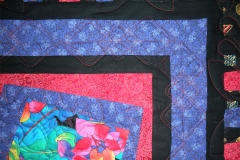 Quilting details in the inside border